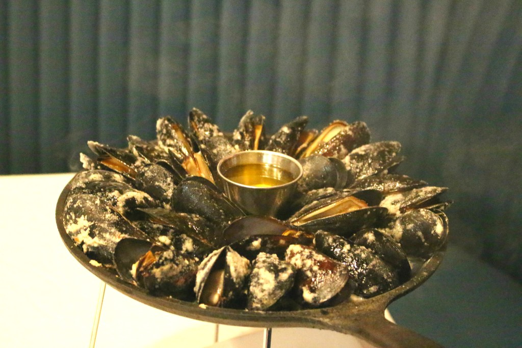Magical-Dining-Month-Orlando-Urbain-40-Mussells-2