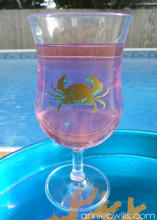summertime-beverage-serving-set-crab-detail