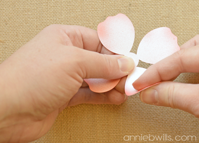 Springtime Heart Wreath by Annie Williams - Curling