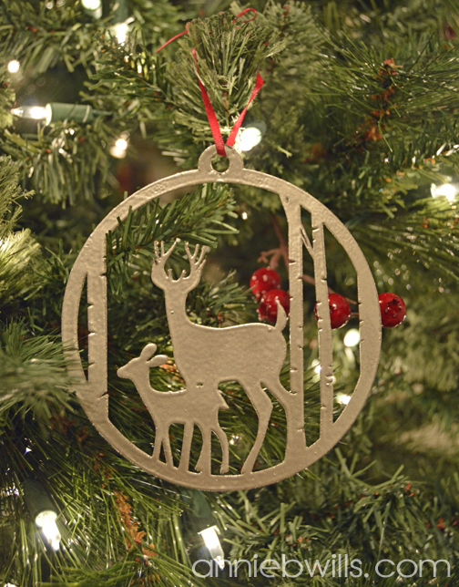 faux-metal-christmas-ornaments-by-annie-williams-deer-detail