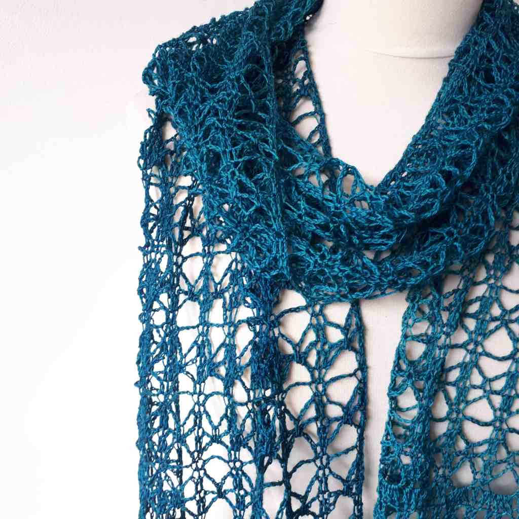 Rosaline – Free Crochet Pattern for an Easy Lacy Scarf