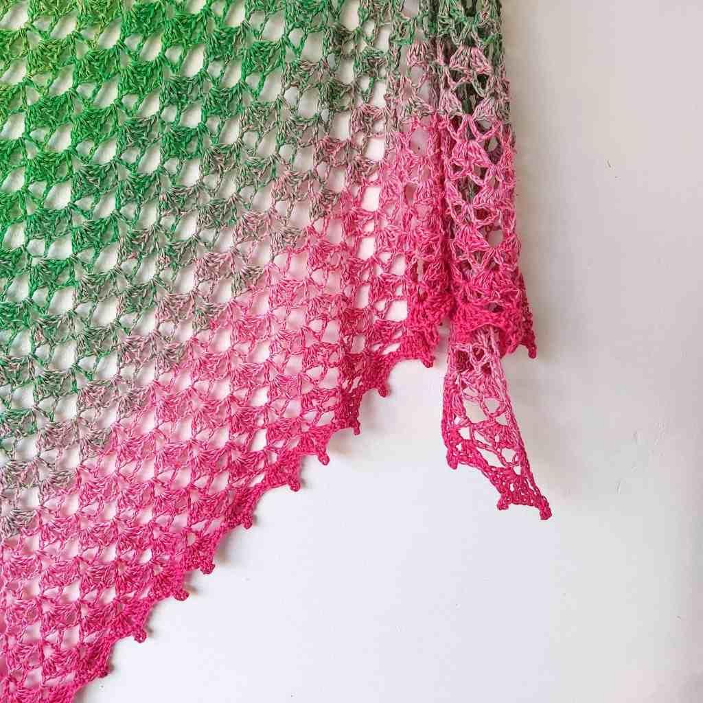 Crochet Triangle Shawl with Shells FREE Pattern – Fragrant Shawl