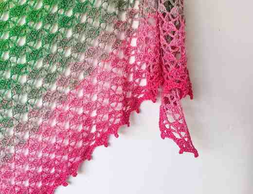 free crochet triangle shawl with shell pattern