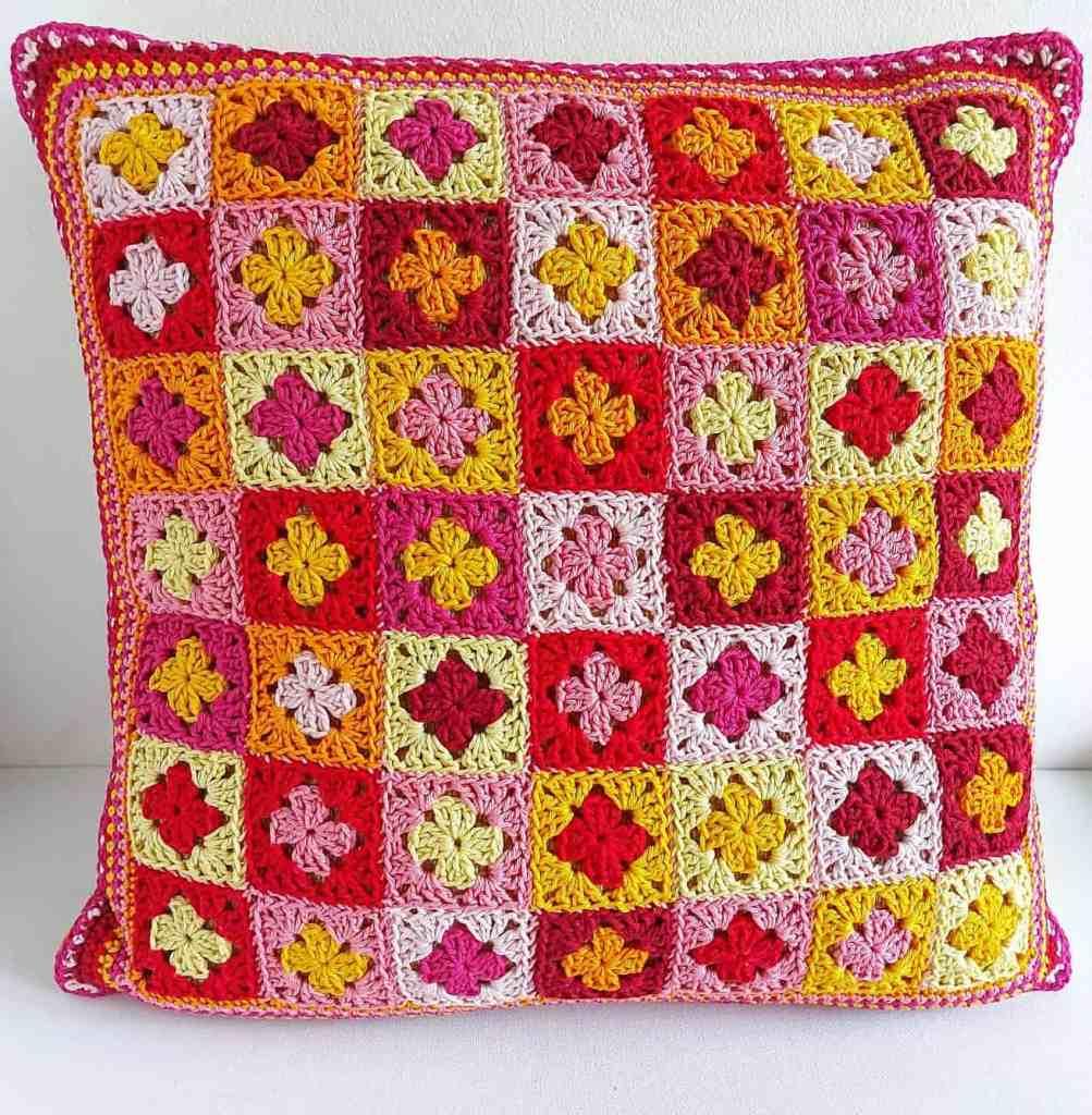 Mini Granny Crochet Pillow – Free Pattern