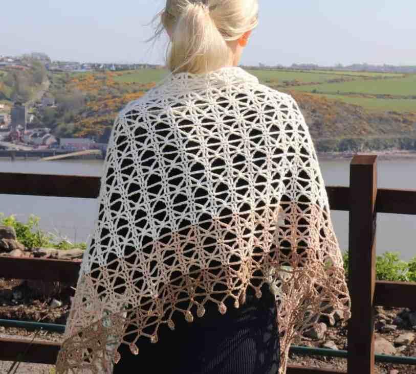 delicate crochet shawl pattern