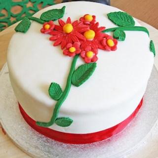 Lemon Cake with Raspberry Curd Filling