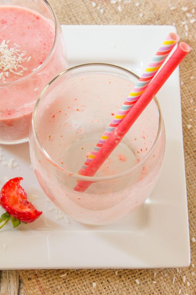 Strawberry Coconut Smoothie | Annie's Noms