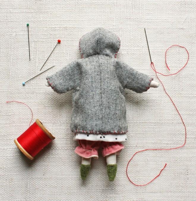 doll_coat_back
