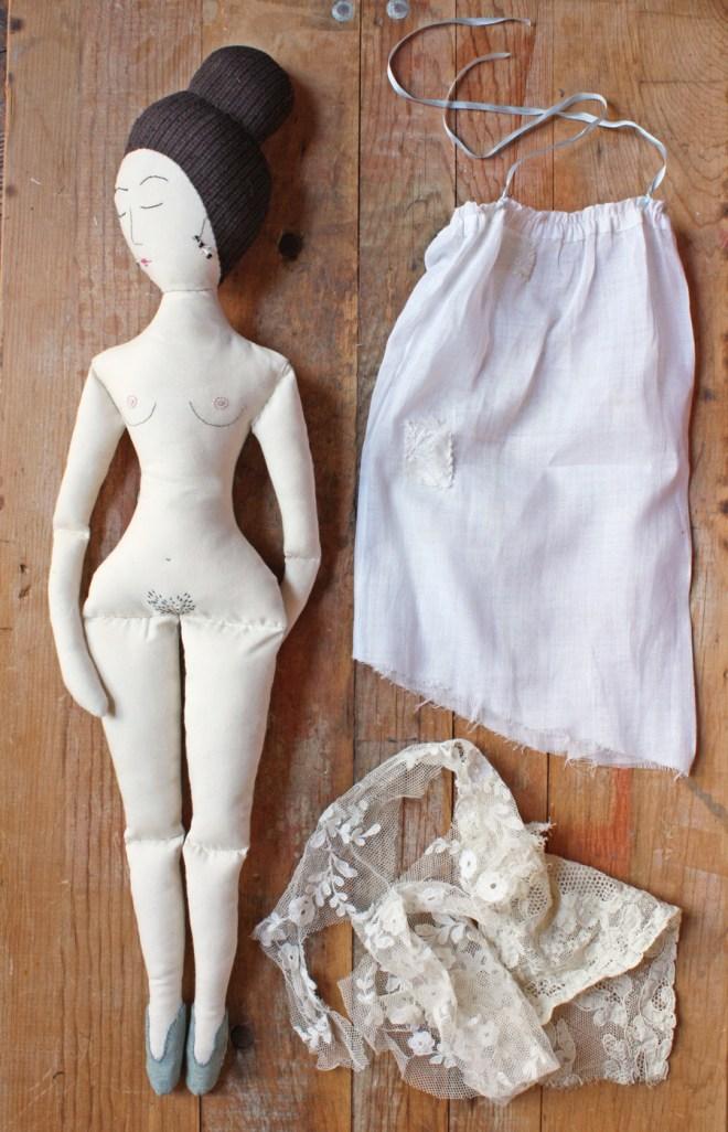 vivienne : naked ragdoll