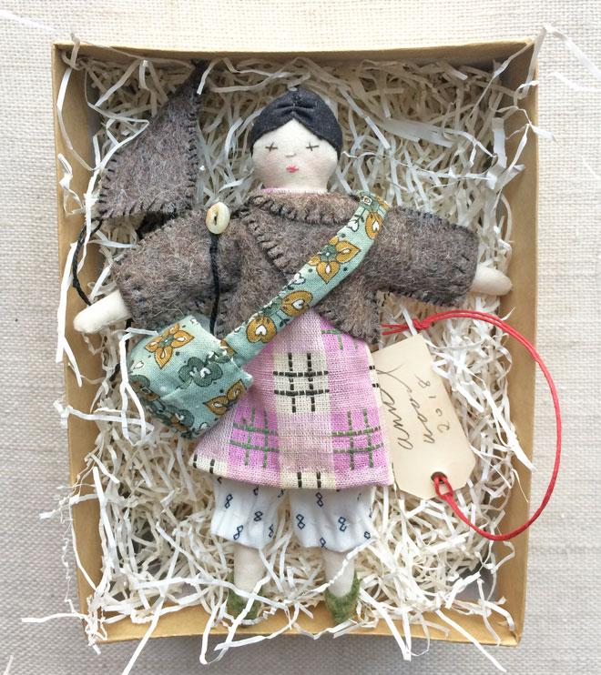miss bellflower : tiny rag doll