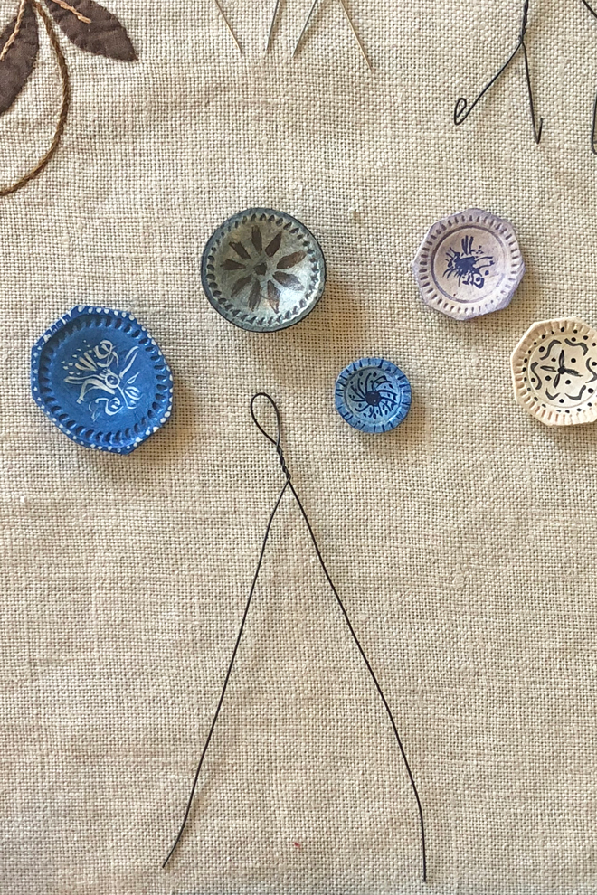 make a dollhouse plate hanger