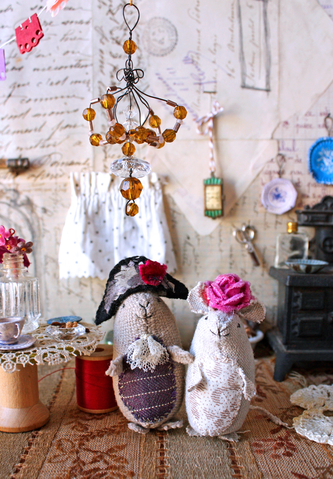 mouse doll house