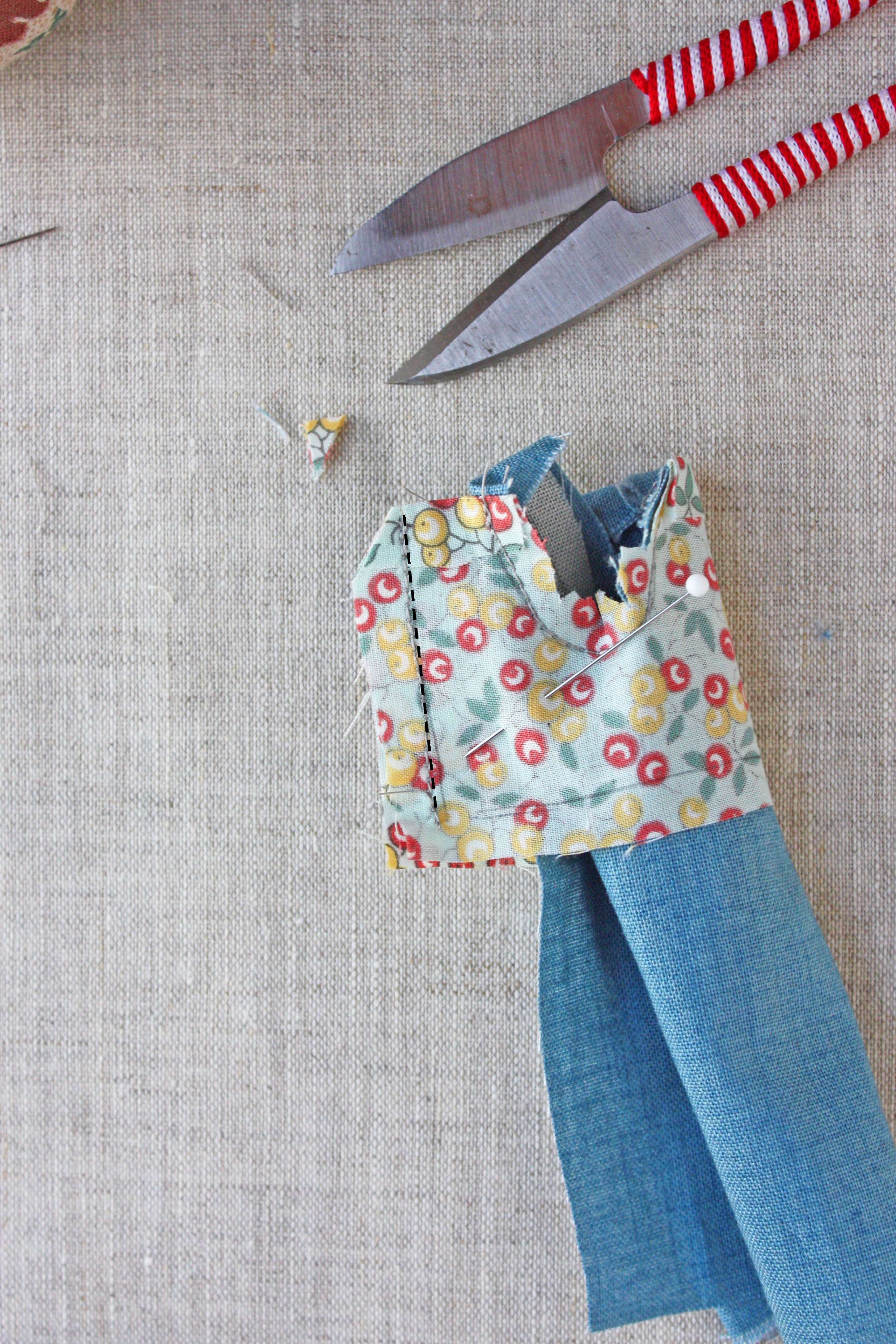 doll overalls free sewing pattern
