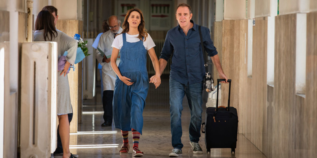 Valerio mastandrea e Paola Cortellesi in una scena di Figli