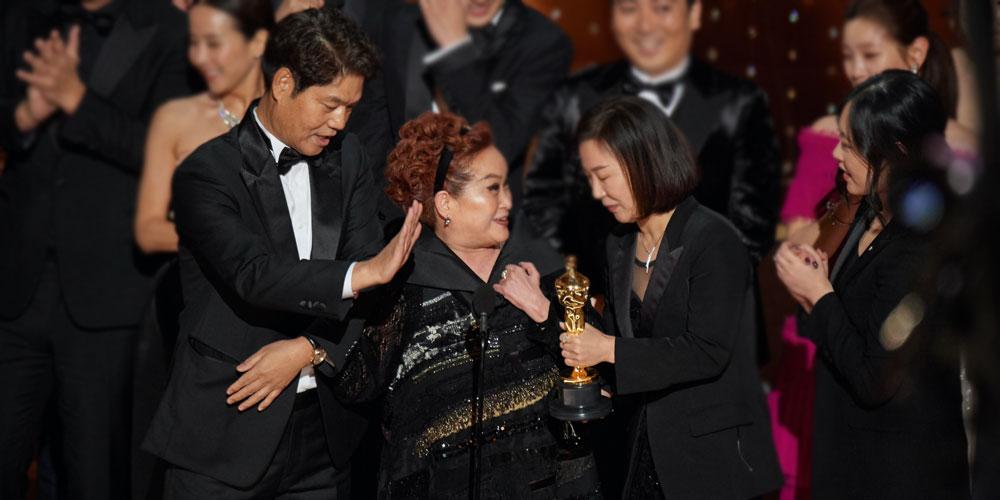 Miky Lee durante la cerimonia di premiazione degli Oscar 2020