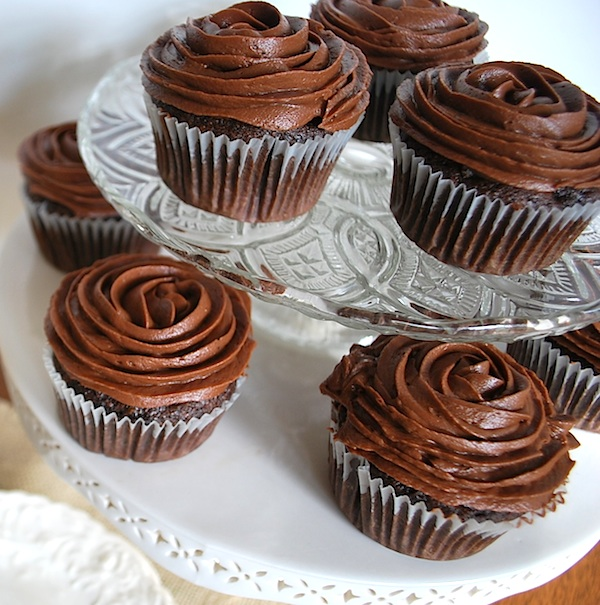https://i2.wp.com/www.anoregoncottage.com/wp-content/uploads/2013/05/rosette-frosted-cupcakes600.jpg