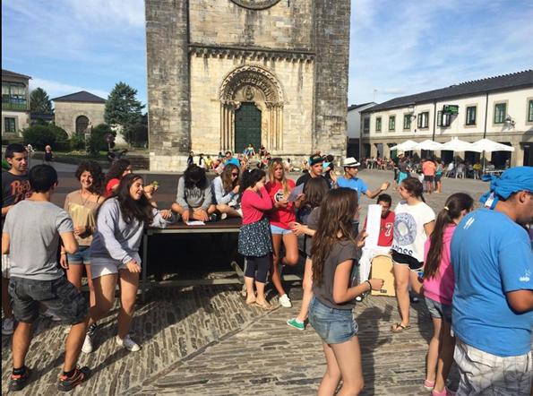 Acollida peregrinos en Portomarín 3