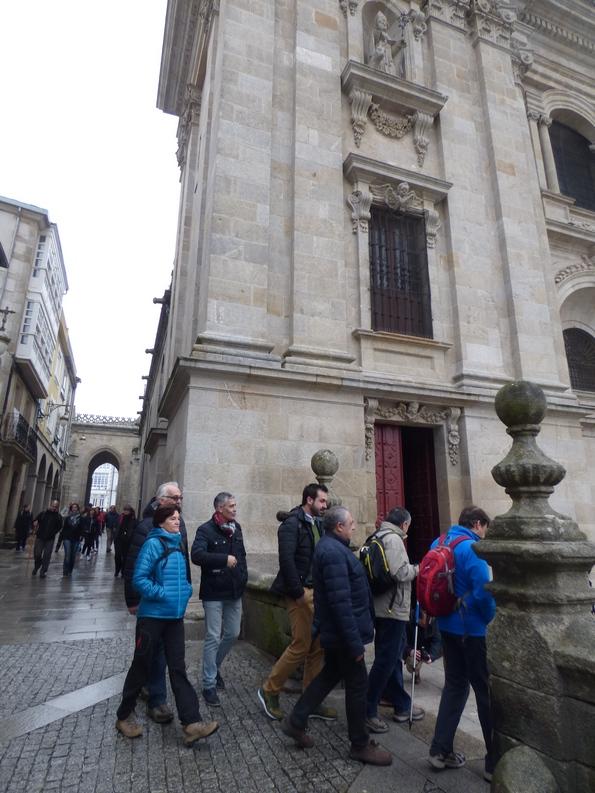 peregrinos pola Porta da Misericordia