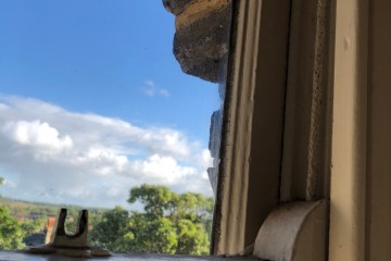 sash window frame in poor repair