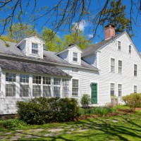 Renee Zellweger's Connecticut Farmhouse!
