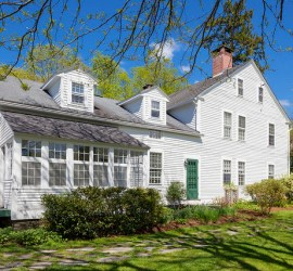 ReneeZellwegerConnecticutFarmhouse