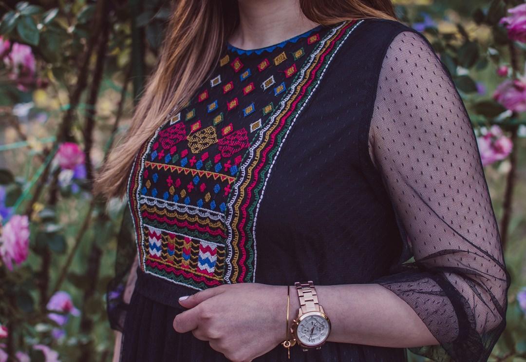 Black Embroidery Seersucker Midi Shift Dress