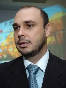 Tácio Melo