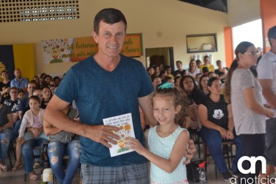 lançamento livro escola girassol (35)