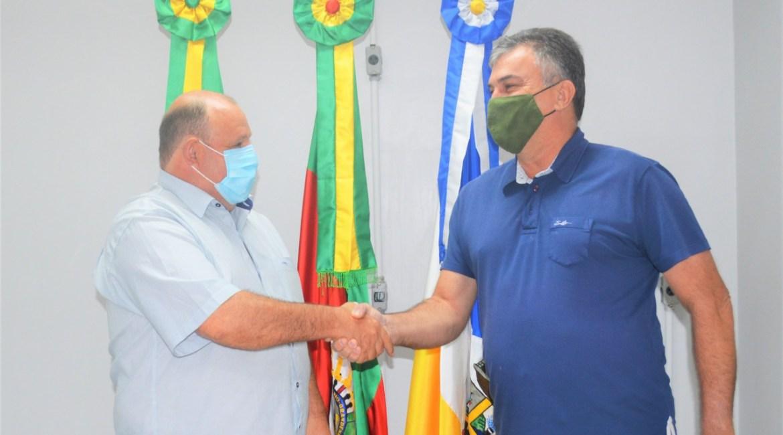 Vice-prefeito Rodolfo Burmann assume o Executivo Municipal