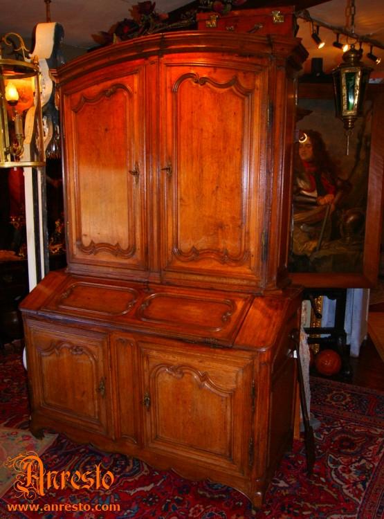 Ref. 13 - Namuurse kabinetkast in eik