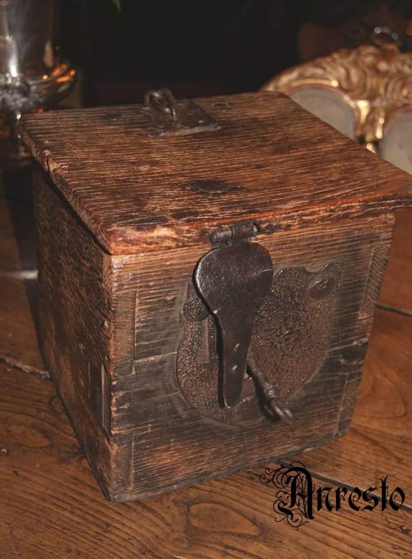 Prachtige koffer 17e eeuw