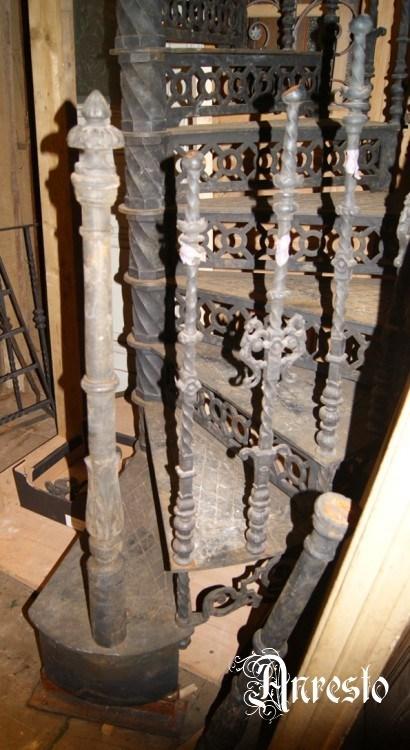 Ref. 18 – Gietijzeren draaitrap wenteltrap spiltrap