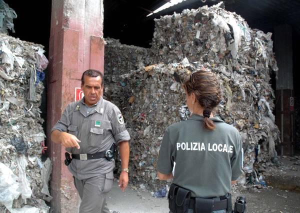 Rifiuti: traffico illecito, 11mila ton sequestrate nel 2010