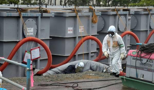 I serbatoi contaminati nella centrale nucleare di Daiichi a Fukushima