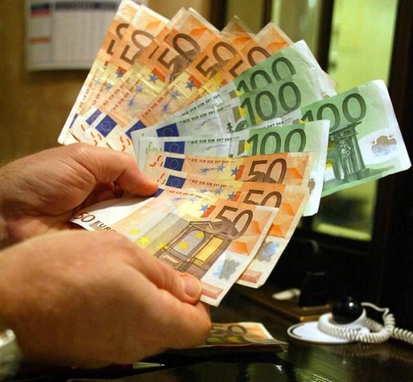 Istat: la spesa delle famiglie cresce più del reddito - Economia