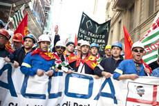 Alcoa: operai bloccano aeroporto Cagliari