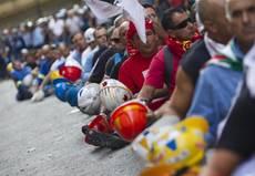 Alcoa: scontri in piazza a Roma, Passera: 'Vertenza aperta'