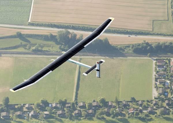 Il Solar Implulse vola grazie alla sola energia del sole e nel 2011 sfiderà i cieli europei