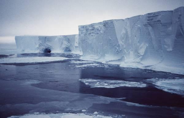 Presto in Antartide un iceberg grande come New York