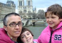 Bruna Guernieri con le figlie Emma e Sofia