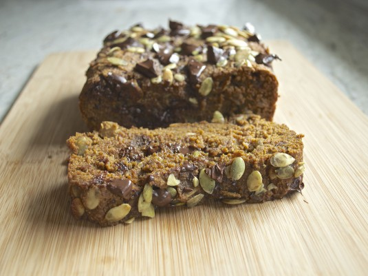 pumpkin chocolate chunk loaf slice