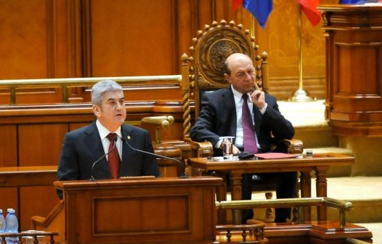 """Ponta explică de ce nu a stat cu Băsescu la şedinţa NATO: """"Stătea în jilţ ca Ştefan cel Mare. Ridicol"""" 482"""