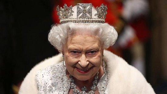 Eveniment fericit în Marea Britanie. Regina Elisabeta împlineşte astăzi 88 de ani 442