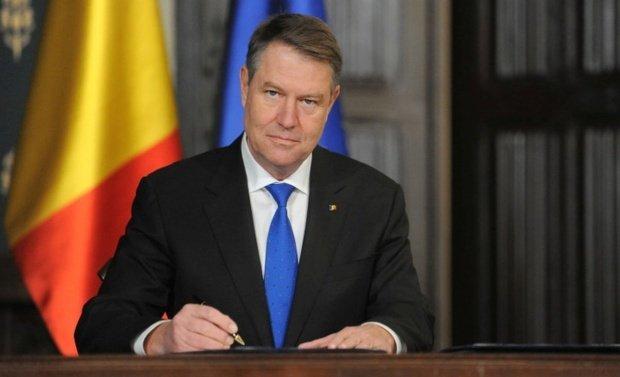 Klaus Iohannis a semnat decretele de eliberare din funcţie a miniştrilor ALDE 16