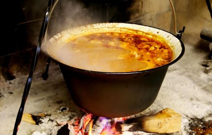 Kuhanje, Paška kuharica