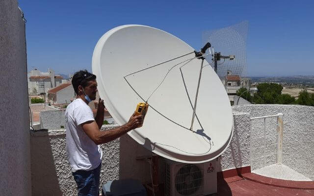 Orientación antena parabólica