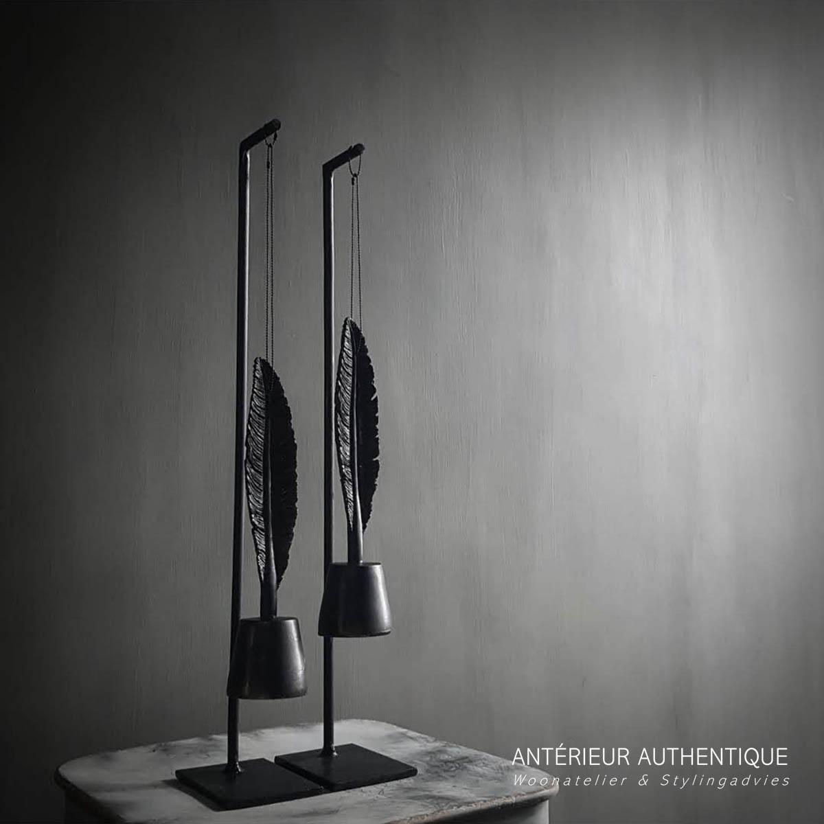 Afbeelding van hanger met veer voor gebruik in de Antérieur Authentique webshop