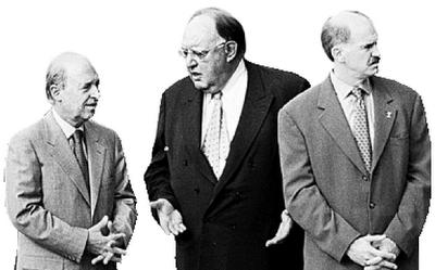 Το 1997 στη Μαδρίτη και το 1999 στο Ελσίνκι υπέγραψε η ελληνική κυβέρνηση το γκρίζο στο Αιγαίο.