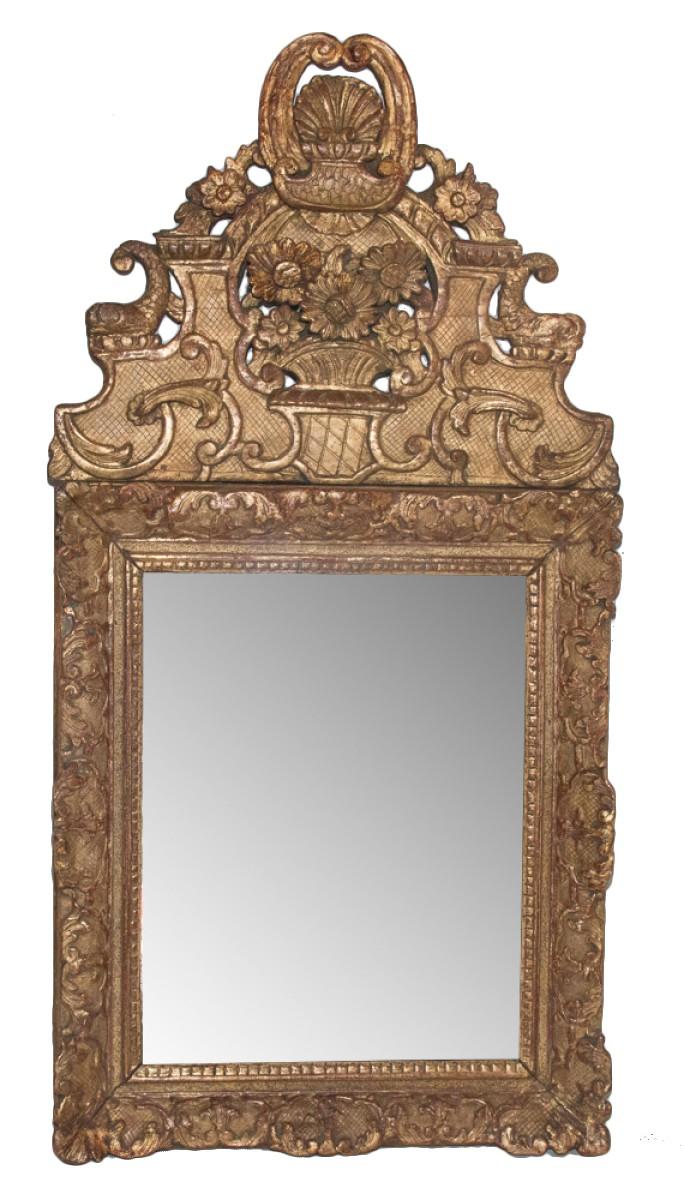 miroir en bois sculpte et dore epoque regence