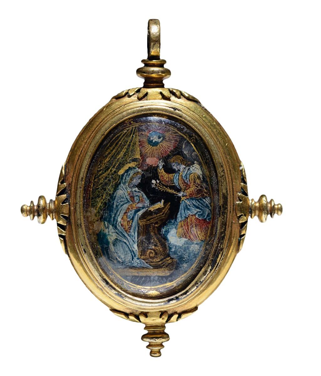 16e siecle pendentif de devotion verre eglomise representant l annonciation